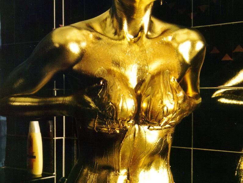 облилась золотой краской и мастурбирует постановка вопроса меня